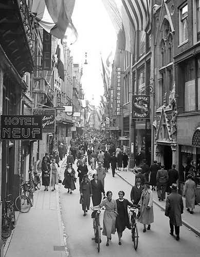 Tassen Kalverstraat Amsterdam : Kalverstraat amsterdam jaartal tot foto s serc