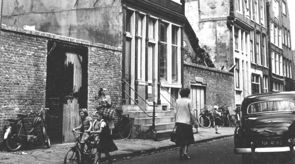 kleine kattenburgerstraat amsterdam jaartal 1950 tot. Black Bedroom Furniture Sets. Home Design Ideas