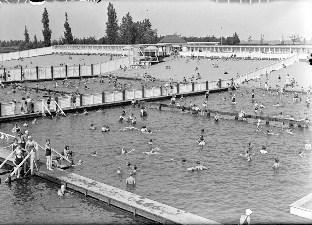 Zwembad den bosch jaartal 1930 tot 1940 foto 39 s serc for Zwembad den bosch